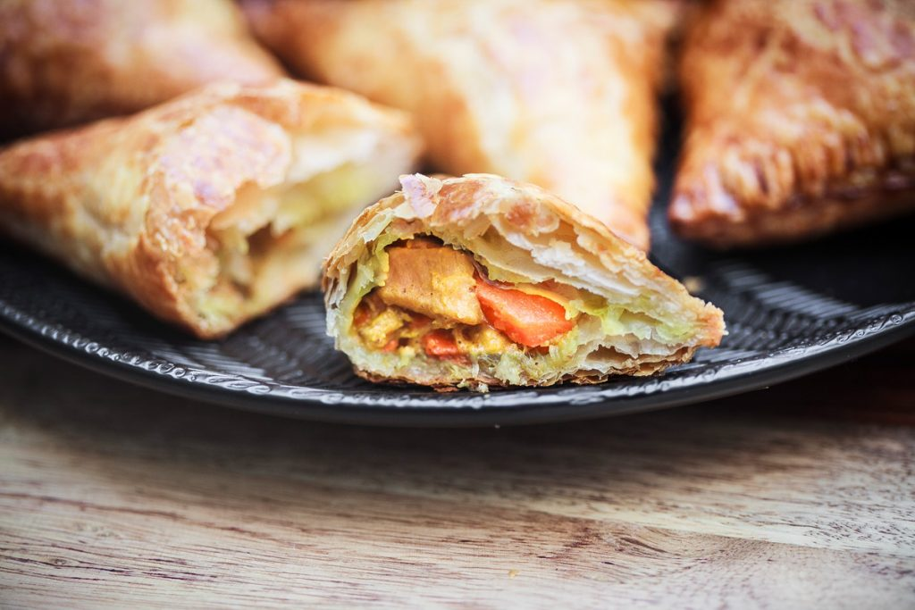 Vietnamese Chicken Curry Puffs Recipe