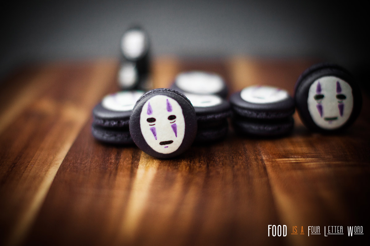 Spirited Away No-Face Macarons Recipe (カオナシ kaonashi)