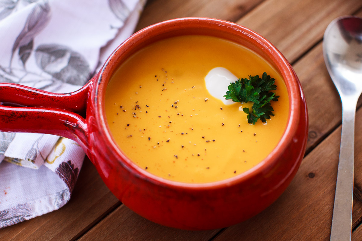 Instant Pot Carrot Ginger Soup Recipe