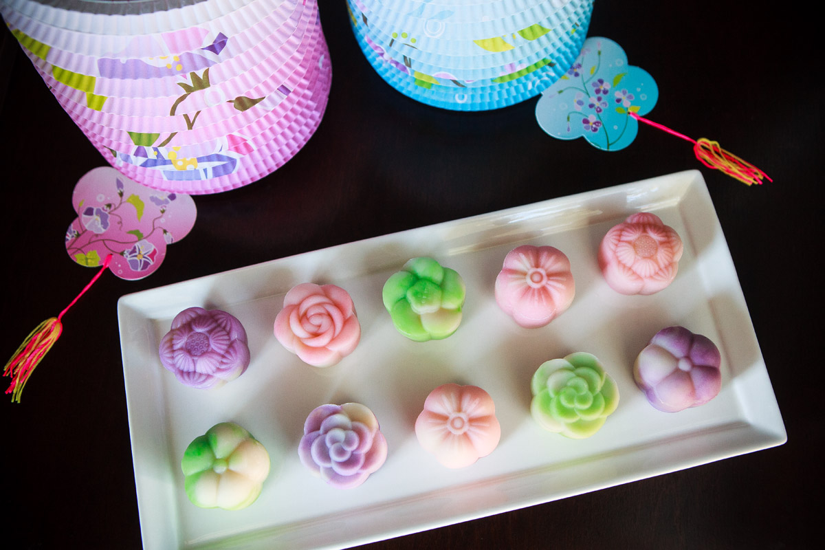 Instant Pot Snow Skin Mooncakes with Mung Bean Filling Recipe - Bánh Dẻo Trung Thu