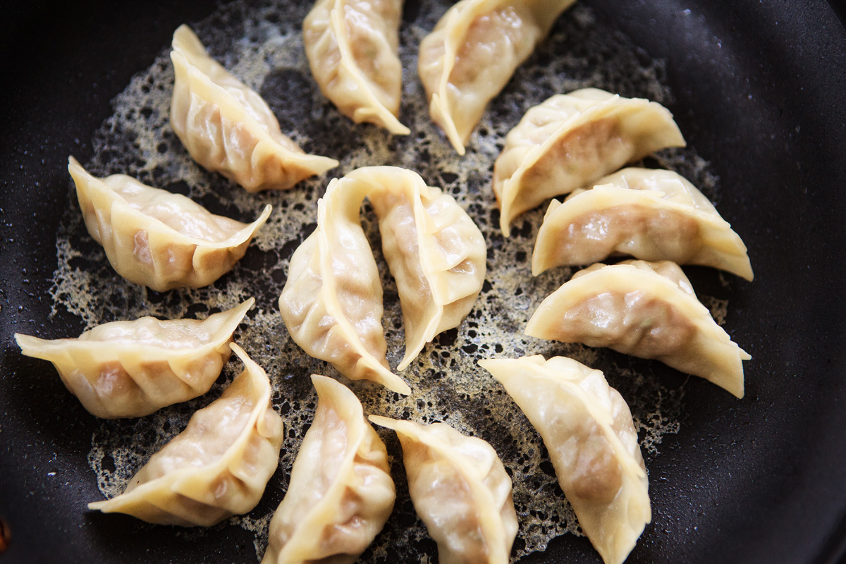Gyoza with Crispy Lattice Recipe - Hanetsuki Gyoza