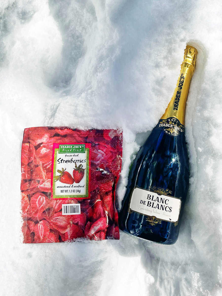 Champagne & Strawberry Snow Cocktail Recipe